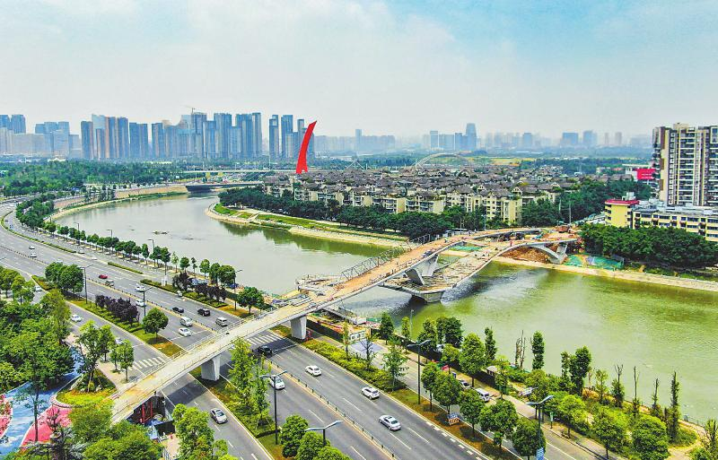 """成都高新区南部园区府河沿线""""五岔子""""绿道桥梁"""